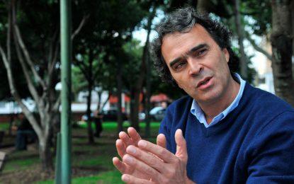 Contraloría de Antioquia embargó bienes de Sergio Fajardo