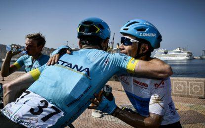 López y Hodeg, luchando en la Vuelta a Abu Dhabi