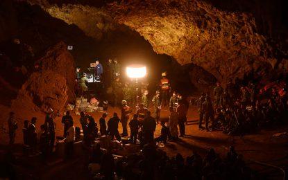 No aparecen los 12 niños: entraron a una cueva en Tailandia y se inundó