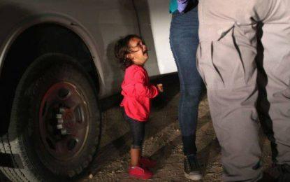 La historia detrás de la foto símbolo del drama de los niños inmigrantes en EE.UU.