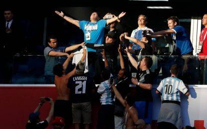 Fans analizan a un Maradona convertido meme en redes sociales