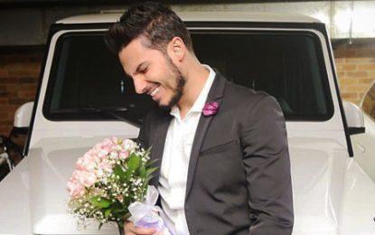 VIRALES Pipe Bueno ofreció flores pero modelo le pidió el carro