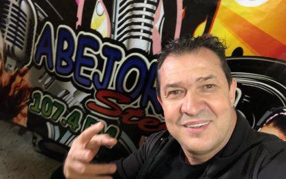 Arjemiro Jaramillo Visitando El Rico Pueblo Abejorral Antioquia Y Presentando Mi Gran Éxito Mi Pecado